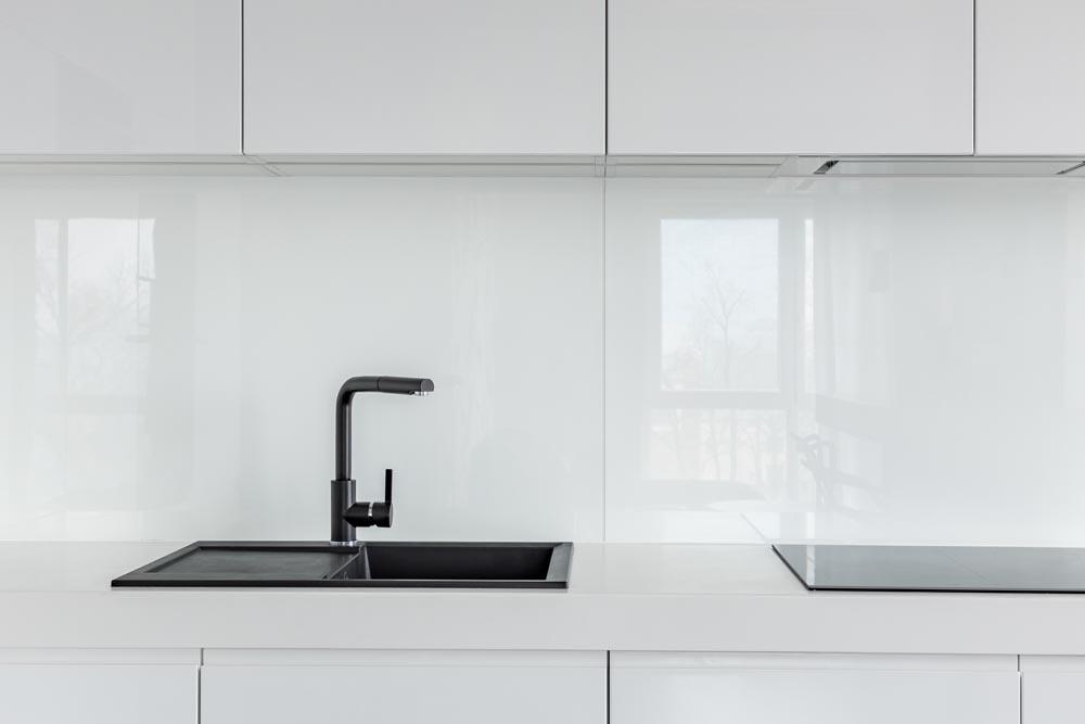 crédence verre laqué pour espace cuisine