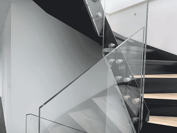 garde corps escalier en verre feuilleté trempé