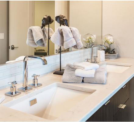 Crédence de salle de bain en verre